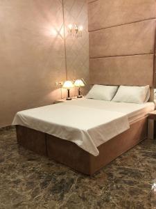 Отель Grand Deluxe Hotel, Саратов