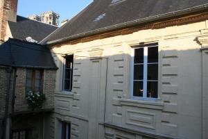 Location gîte, chambres d'hotes Le Refuge Des Cordeliers dans le département Aisne 2