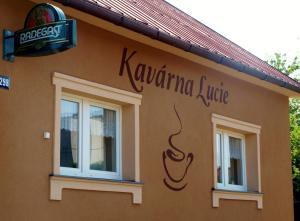 Auberges de jeunesse - Kavárna Lucie s ubytováním