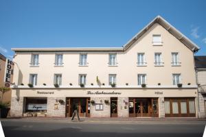Les Ambassadeurs Hotel Le News Logis
