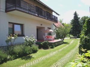 Gyöngyvirág Vendégház, Ferienwohnungen  Balatonboglár - big - 67