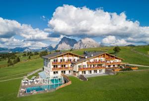 Hotel Santner Alpine Sport & Relax - Alpe di Siusi/Seiser Alm