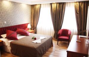 LİFE HOTEL