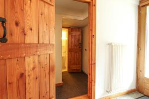 4 bedroom garden apartment with easy Verbier access