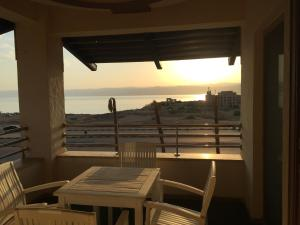 . Panorama sea sky apartment