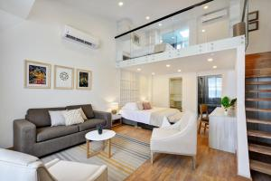 Cartagena Suites by Lifeafar