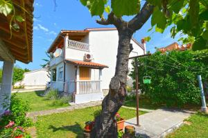 Apartment Brajdine 405