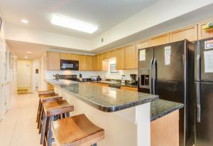 Coconut Grove 202 2nd Row Condo, Apartmány  Myrtle Beach - big - 17