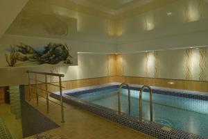 Hotel Zumrat, Hotel  Karagandy - big - 61