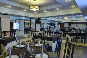 Hotel Zumrat, Hotel  Karagandy - big - 63