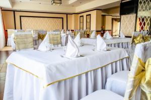 Hotel Zumrat, Hotel  Karagandy - big - 66