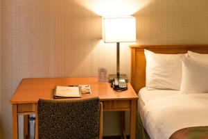 Ramada by Wyndham Penticton Hotel & Suites - Penticton