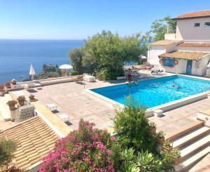 Residence Terra Rossa Taormina - AbcAlberghi.com