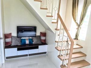 Cozy Brand New Home @ Camella Bacolod, sleeps 4-6