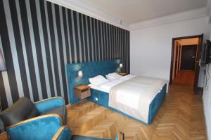 Hostel Chmielna 5 Rooms Apartments