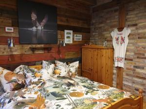 Dom gościnny Ptaszarnia Ekologia i Natura i 3000 m prywatnej oazy ciszy i spokoju z widokiem na rezerwat ptaków Karsiborska Kępa