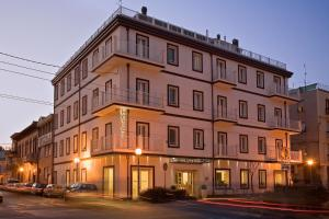 Card International Hotel - AbcAlberghi.com