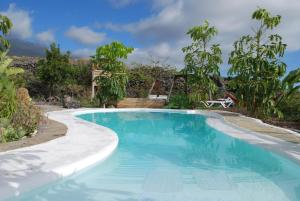 obrázek - Ocean view villa with subtropical garden and design pool