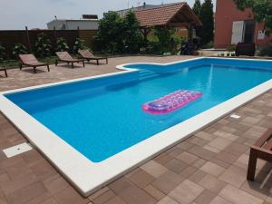 Apartman Smilje with Heating Pool