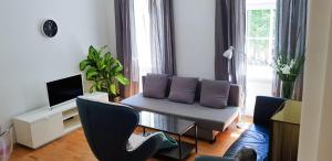 Quiet, newly renovated cozy apartment