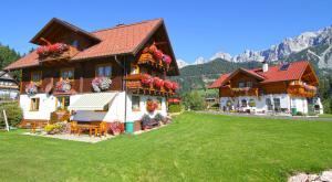 Haus Sonnleitner - Hotel - Rohrmoos