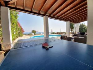Villa Thalassa, Villen  Coral Bay - big - 3