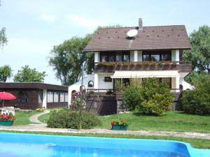 Péter Panzió, Bed and breakfasts - Balatonfenyves