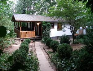 Tiny House im Wald am Fluss - [#121180] - Körle