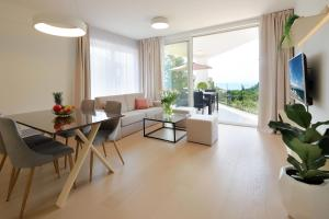 Modern apartment near the sea