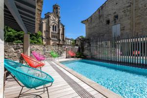 Location gîte, chambres d'hotes Boutique Hôtel Entraigues dans le département Gard 30