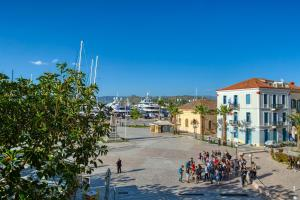Plaza Filellinon Argolida Greece