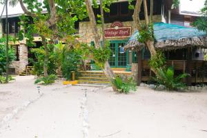 Bananarama Dive & Beach Resort..
