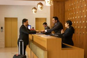 Golden Tulip Suites Gurgaon, Aparthotels  Gurgaon - big - 58