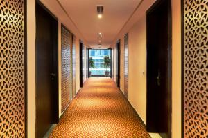 Golden Tulip Suites Gurgaon, Aparthotels  Gurgaon - big - 57