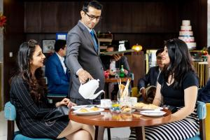 Golden Tulip Suites Gurgaon, Aparthotels  Gurgaon - big - 33