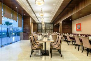 Golden Tulip Suites Gurgaon, Aparthotels  Gurgaon - big - 8