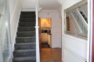 obrázek - FULL MODERN HOUSE - 2 MILES FROM LEEDS CITY CENTRE