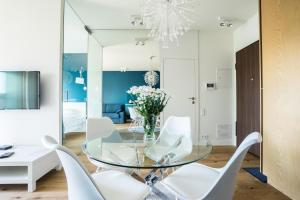 VIPWarsawApartments Mennica Residence
