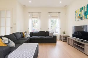 3 Bedroom Executive Townhouse WIFI & Netflix