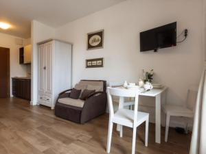 VacationClub – Aquamarina Apartament C-19