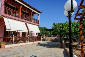 SUMMER PARADISE (150m from the BEACH) Aegina Greece