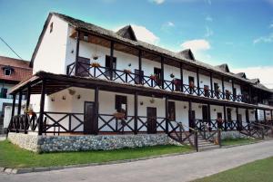 Hotel Stariy Dvor - Mayskoye