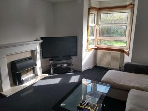3 Bedroom Flat Bearsden close to West Highland Way