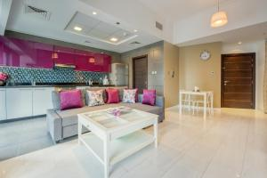 1 Bedroom Apartment in Cayan Tower by Deluxe Holiday Homes - Dubai