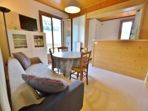 Apartment Appartement proche des commerces et des stations, 5 personnes, 2 chambres !