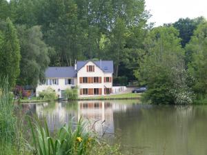 . Lake House France