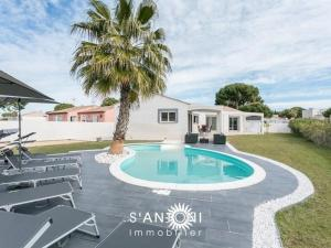House Magnifique villa individuelle de plain-pied 6 couchages avec piscine privée 12