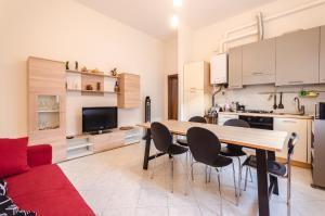 Emil's House, Spazioso appartamento con 3 camere - AbcAlberghi.com