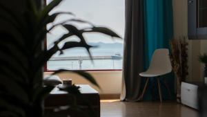 Top Floor Downtown Port View, 65403 Kavala