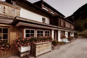 Berghotel Ladinia (2 of 42)